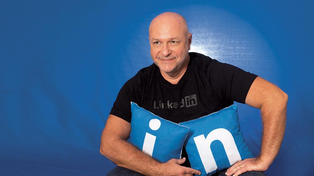 """""""Nossa missão é conectar os profissionais do mundo para torná-los mais competitivos e bem-sucedidos"""" Milton Beck, Diretor-geral do LinkedIn para o Brasil e A América Latina. (Crédito: Claudio Gatti)"""